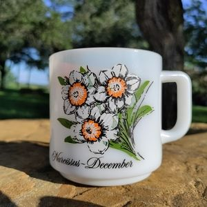 VTG December Narcissus flower milk glass mug